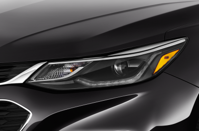 2017-chevrolet-cruze-lt-sedan-headlight